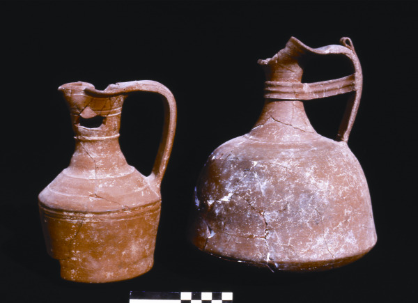 Abbasid-period jugs, 9th century AD (Photo A. Reiche)