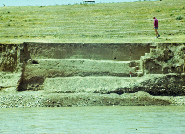 Archaeological section of the site on the bank of the Tigris (Photo Andrzej Reiche)