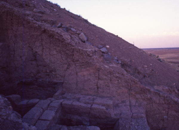 Tell Abu Hafur. Side view of the trench on the slope.