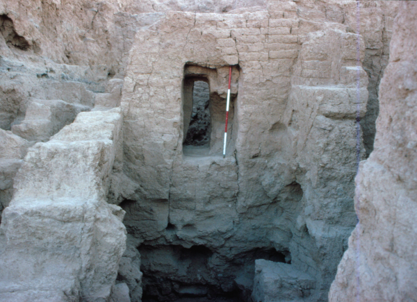 Remains from Layer II; entrance preserved in one of the walls.