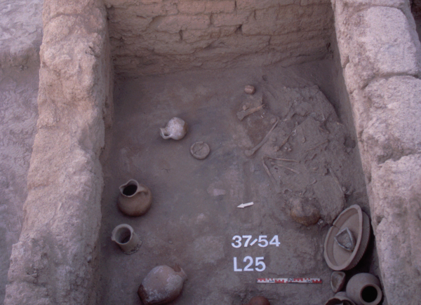 Interior of a Mitanni grave, 15th–14th century BC.