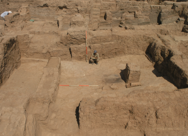 Main room of the temple from the first half of the 3rd millennium BC after clearing in 2007, view from the south.