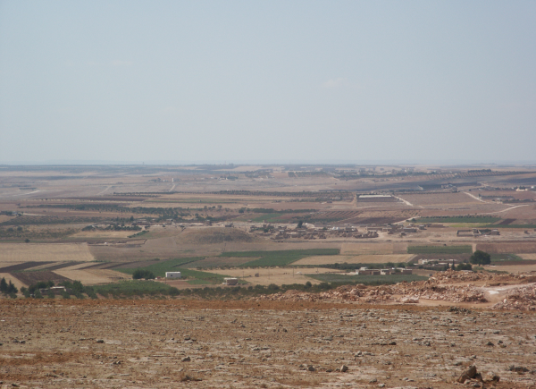 Panorama of the Queiq valley seen from the east, view of Tell Qaramel. (Photo R.F. Mazurowski)